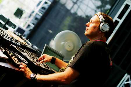 UMEK New year Songs! Chart 2016