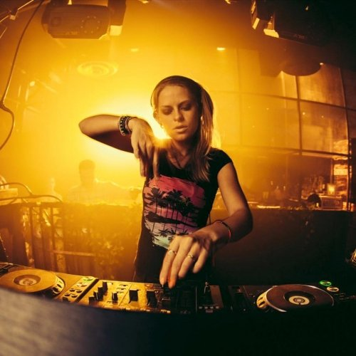 Nora En Pure Convincing Music August Chart 2016